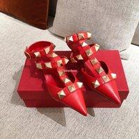 2021SS Женщины True Кожаные Штабные тапочки с каблуками T-Brap Sandal Весна Летние Высокие каблуки Заклепки 7 Цветов Тапочки Дамы Сексуальные Партии