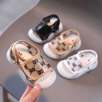Été Sandals de bébé Mignon Lettres Mode Lettres Imprimé Chaussures pour enfants Enfants Garçons Filles En plein air Prewant Prewant Soft Walking Shoe G59ABTM