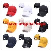 Летняя мода бейсбольная кепка вышивка буквы колпачки мужчин и женщин бренд дизайнер схватываний регулируемый гольф шляпа для гольфа