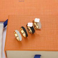 Классические дизайнерские моды кольцо пары дизайн любви четыре листа клевер 18 K Золотые ювелирные изделия золотые кольца из нержавеющих мужчин женщин влюбленные подарок