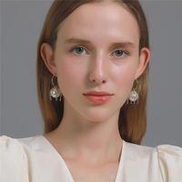 Korean Big Pearl Tassel Dangle Earrings C-shaped Alloy Diamond Chain Ear Drop Women Business Party Souvenir Stud Earring Jewelry Wholesale