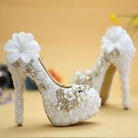 Klänningskor 2021 Vogue White Lace Flower och Lovely Bear Platform Prom Party Pumps Wedding Pearl High Heel Bride