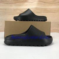 2020 Box Kanye West Mousse Sannier Sandal Sandal Chaussures Hommes Femmes Résine Sand Sand Bone Triple Noir SOIPE SOOT DE TERRE BRUN DE LA MODE SANDAUX