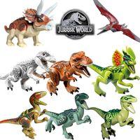 8 adet / grup Jurassic Park Tyrannosaurus Rex Wyvern Velociraptor Stegosaurus Bolcks Yapı Kitleri Dinozor Aksiyon Figürleri Oyuncak X0503
