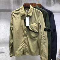 Sommerfrivoöses lässiges massives Hemd Das Revers ist vielseitige Männerjacken Chaopai Black Tooling Coat europäisch und amerikanisch einfach oben