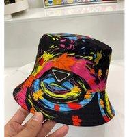 أزياء دلو قبعة كرة السلة كاب للرجل امرأة الشارع الكرة قبعات بريم الترفيه القبعات الكتابة على الجدران غريبة عالية الجودة كبيرة بريم تريند رواية