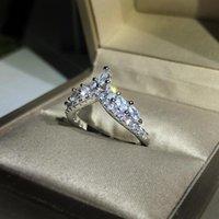 Cluster ringen schattige zilveren kleur kroonring met bling zirkoon steen voor vrouwen mode-sieraden bruiloft verloving