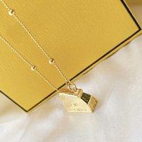 Luxurys Gold Diamond Necklace Womens Designer di alta qualità Designer Catena di moda collane gioielli argento amante regalo lettera f stampato scatola di collana