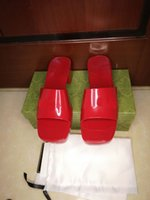 도매 고품질 Guliki 여성 슬리퍼! 패션 젤리 가죽 섹시 슬리퍼 여름 해변 신발 고급 디자이너 샌들 35-42