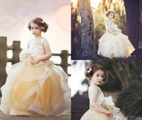 2021 Cute Champagne Flower Girl Dresses For Weddings Lace Appliques Tulle Ruffles Tiered Short Sleeves Girls Pageant Dress Kids Communion Gowns