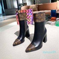Qualidade Moda Estrela de Couro Mulheres Designer Boots Martin Spring Spring Anchle Requintado Mulher Sapatos Cowboy Botas Bagshoe1978 220