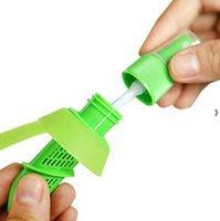 Accesorios de cocina Herramientas Creative Limón Pulverizador Fruta Jugo Citrus Lima Juicer Spritzer Gadgets Bienes HHE6790