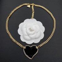 2021 Collar de diseño de lujo para hombres amor encanto cadena chicas plata corazón en forma de colgante diseño mujer pareja feng shui amistad banda collares para hombre regalo