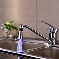 Andere kranen, douches ACCS Accounts Keukengootsteen 3 Kleur Verandering Water Glow Stream Douche Led Kraan Taps Licht Kichen met Cocina
