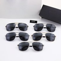 Designer original Luxury fashion Men and women design sunglasses metal frame simple generous style top quality uv400 protective glasses With Case p046