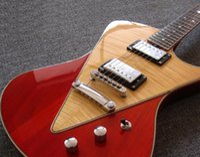 Música Homem Ernie Bola Armada Natural Trans Vermelho Vermelho Guitarra V-em forma de Bookmatched Flame Maple Top, Corte de Barriga Corpo de Contorno