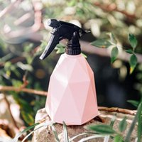 Candy-colored Watering Can Neutral ABS Hand-pressed Geometric Plastic Sprinkler Gardening Bottle Small Spray H9E0 Equipments