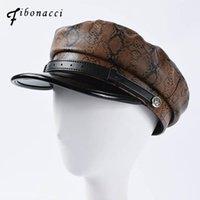 الأزياء ثعبان نمط القبعات العسكرية جودة عالية ليوبارد بو الجلود السيدات شقة أعلى قبعة العظام القبعات الجيش قبعات واسعة بريم
