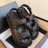 2021 роскоши дизайнерские сандалии женские пляжные туфли теленок кожа классические стеганые модные платформы тапочки 35-42 с коробкой