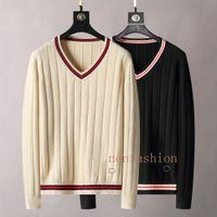 Suéteres para hombre Diseño de gama alta, estilo ajustado Cálido Tapa de punto Cuello de punto Cuello en V Beige Beige Black letra de impresión, Forma de ajuste delgado