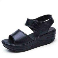 Dongnanfeng frauen mutter damen weibliche echtes leder schuhe sandalen frau plattform hakenschleife lässig sommer cool strand am-9018 210619 rolb