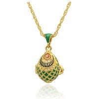 esmalte verde Forma de pescado Faberge Huevo colgante Locket Huevo de Pascua para el collar de estilo ruso con cristal y cadena chapada en oro
