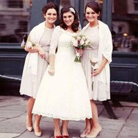 Lace Curto Vestidos De Casamento 3/4 Mangas Compridas País Jardim Chá Comprimento Vestidos De Noiva Pura Pescoço Tamanho Personalizado Vestidos De Noiva Do Casamento