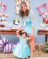Novo 2019 Mãe e Filha Vestidos Jóia Pescoço Lace Zipper Voltar Vestidos De Festa de Casamento Adorável Princesa Aniversões Vestidos