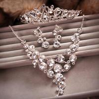 Parti nuptiale cristal strass collier ensemble bijoux de mariage de luxe ensembles de haute qualité boucles d'oreilles brillant diadèmes argenté