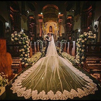Vintage 5 Meter Lange Kathedrale Brautschleier Ein Tier Brautkleider Schleier Spitze Applique Tüll Mit Freien Kamm Nach Maß