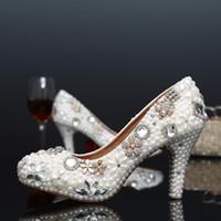 Nuevos zapatos de boda de moda Zapatos de novia de cuero Hermosos zapatos de vestido de fiesta de banquete de cristal de perlas de alta calidad más el tamaño 12