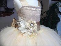 pizzo vintage rustico color champagne spalline con spalline in tulle soffici abiti da sera per feste di matrimoni