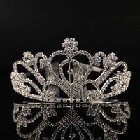 Barato Cristales de plata Tiaras de la boda con cuentas coronas nupciales Rhinestone piezas principales Peine barato accesorios para el cabello desfile Tiara