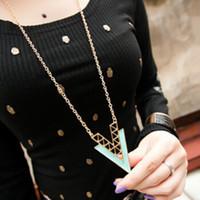 2014 Hot Korean 2 colores Moda Elegante Hueco Simple Triángulo Geometría Irregular Collar Suéter Cadena Joyería Declaración X8599