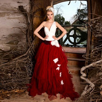 Уникальный красный и белый свадебные платья асимметричный одно плечо Ruched два тона свадебные платья ручной работы цветы развертки поезд на заказ