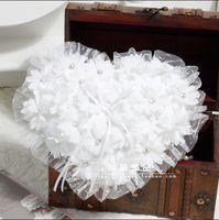 Style Coeur Doux Perles Blanches Fleurs Bague En Dentelle Pliiows Cristal De Luxe Mariage De Mariée Et Le Mariage Bagues Oreiller