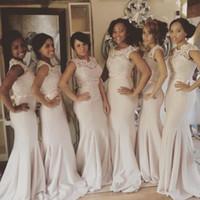 Hübsche Spitze Top Mantel Afrikanische Bridesmaids Kleider Sheer Neck Satin Wedding Guest Kleid Plus Size Lange Maid Of Honor Kleider Unter 100