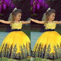 Vestidos coloridos del desfile de la longitud del piso del vestido de bola del amarillo 2015 para las muchachas de oro Apliques Vestidos baratos de las muchachas de la flor con el marco negro