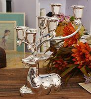 Candelero de la forma del reno del metal del final del plata del envío libre, candelero decorativo de 6 brazos, soporte de la vela de la aleación del cinc