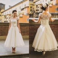 Старинные чайное время свадебное платье Bohe Boho Cap Cap рукав Богемное свадебное платье кружева чистое шею дешевый цветок створки плюс размер свадебное платье короткое