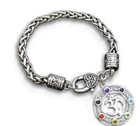 شحن مجاني om اليوغا الدينية سوار القلب سبيكة معدنية العائمة 7 كريستال شقرا قلادة سحر أساور مجوهرات الرجعية