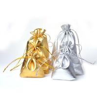 7 * 9cm Bolsas de joyería Bolsas de almacenamiento de embalaje de regalo Bolsa de joyería de seda con cordón de oro plateado Bolsa de bolsa de regalo de fiesta de boda de Navidad