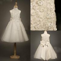 2016 schöne Spitze Blumenmädchenkleider Ballkleid Mädchen Pageant Kleider Kinder Tüll Bogen Bodenlangen Kommunion Hochzeit Party Kleid