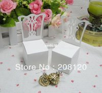 Venta al por mayor titular de la tarjeta del lugar de la silla miniatura y caja del favor 100PCS / LOTE mejor para cajas de dulces y favores de la boda caja de regalo