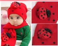 Hermosa bufanda y sombrero de los hombres del bebé fijó el casquillo del invierno + 80cm bufanda 2pcs fijó el regalo de la Navidad ladybird color rojo algodón 5pcs / lot YQS-Y27508