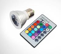 RVB MILTI Couleur LED Spotlight Bombilles 3W E27 E14 GU10 GU10 GU5.3 PLAQUES D'ÉCLAIRAGE DE BASE AC 85-265V avec télécommande 16 couleurs changeant