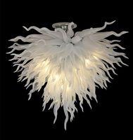 램프 잘 설계된 핸드 블로운 심장 디자인 샹들리에 순수한 흰색 결혼식 장식 에너지 절약 현대 유럽 스타일 크리스탈 샹들리에
