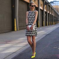 夏の女性のドレス2017新しいファッションセクシーな幾何学的プリントvestidosレディースノースリーブ緩いパーティーイブニングミニドレスQ1113