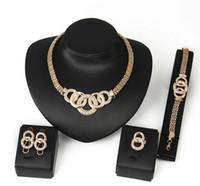 Ensembles de bijoux Nouveau plaqué or cristal charmant collier Bracelet boucle d'oreille Bague De Mode Accessoires De Mariage Romantique Plaqué Or Bijoux