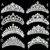 2015 Parlak Kristaller Düğün Taçlar Kıvılcım Rhinestone Gelin Tiaras Saç Aksesuarları Headpieces Tarak Geri Düğün Mücevherat 8 Stilleri Ucuz